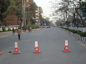 Bangladesh Rifles revolt - Barricade over the Satmasjid Road near State University on 25 February 2009, as seen from the western end of Dhanmondi Road 27
