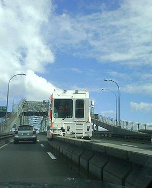 Auckland Harbour Bridge - The barrier transfer machine moving the barrier for the afternoon/evening traffic rush