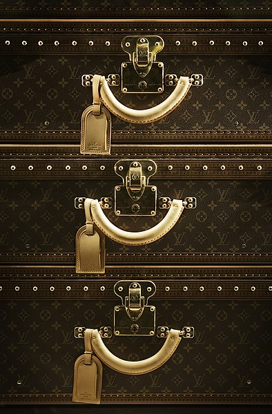 file berlin louis vuitton luggage suitcase set wikimedia commons