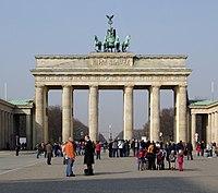 Berlin Brandenburger Tor BW 2 Ausschnitt.jpg