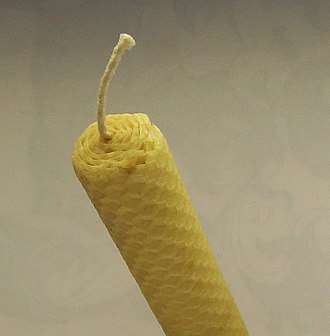 Candle wick - Wick in a rolled beeswax candle