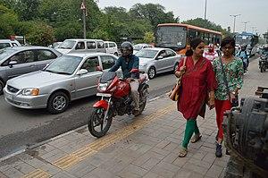 Mathura Road, Delhi - Busy Mathura road at office hours, New Delhi.