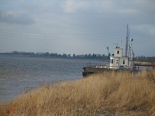 Blacktoft Pier - panoramio