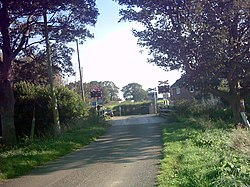 Blaxhall Hall Crossing in Hoo Lane - geograph.org.uk - 256331.jpg