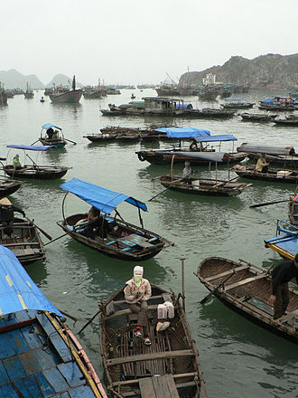 Hạ Long - Image: Boats in Ha Long bay