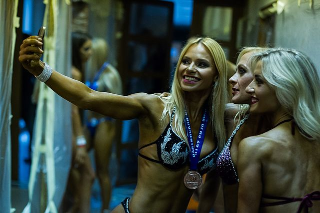 Bodybuilding and fitness bikini open tournament in Kaliningrad (2016-10-16) 24.jpg