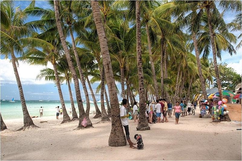 File:Boracay White Beach - panoramio - Tuderna (2).jpg