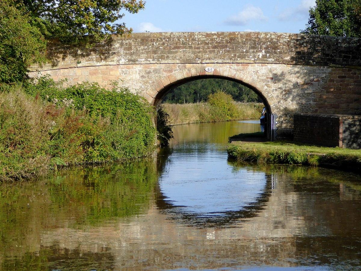 Bridge No. 48, Shropshire Union Canal.jpg