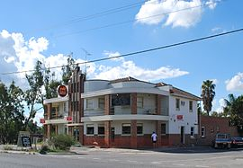 Bridgewater on Loddon Loddon Bridge Hotel 004.JPG