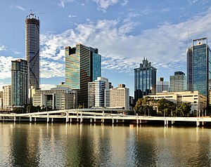 Riverside Expressway - The Riverside Expressway runs parallel to the Brisbane River and George Street.
