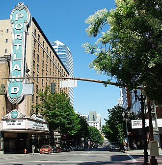 Broadway (Portland, Oregon) - Broadway in Downtown looking north at Main Street