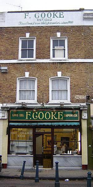 Broadway Market - F Cooke's pie and mash shop stands at the southern entrance to Broadway Market. (January 2006)