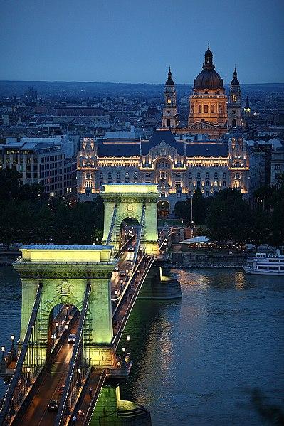 File:Budapest Chain Bridge1.jpg