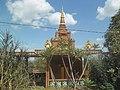 Budističko svetište u Banlungu 2018.jpg