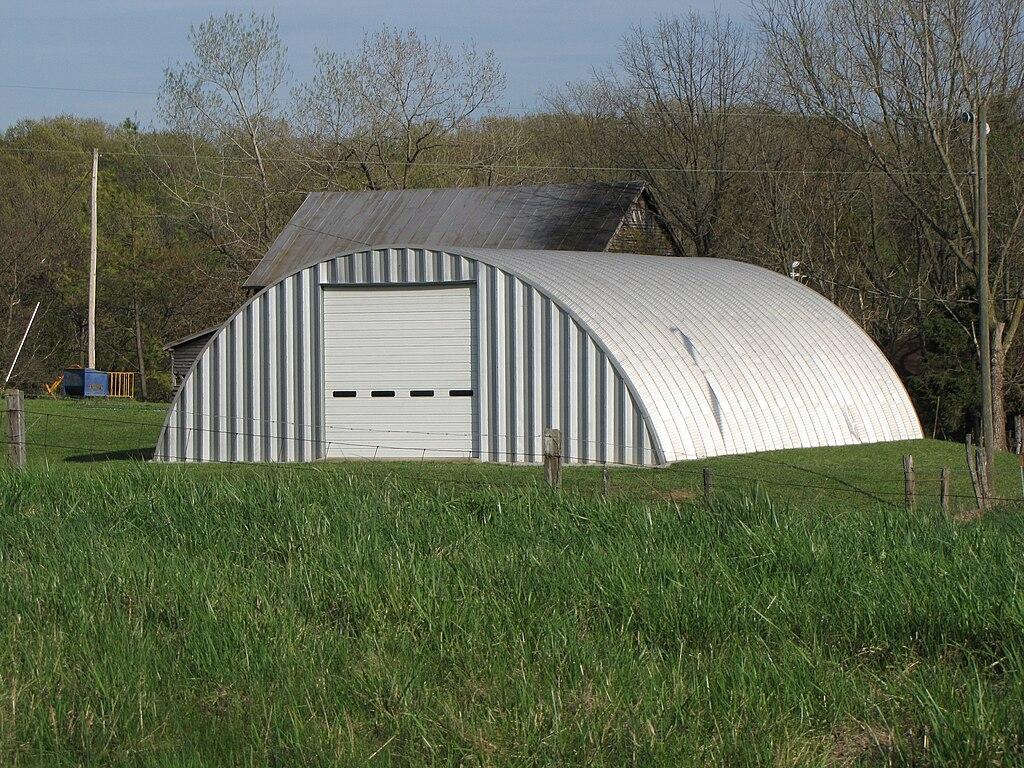 File Building Built Of Corrugated Steel Jpg Wikimedia