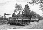 Bundesarchiv Bild 101I-738-0275-10A, Bei Villers-Bocage, Panzer VI (Tiger I)