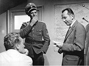 """Bundesarchiv Bild 183-A0816-0001-001, Dreharbeiten """"Nackt unter Wölfen"""", Beyer, Apitz, Köfer"""