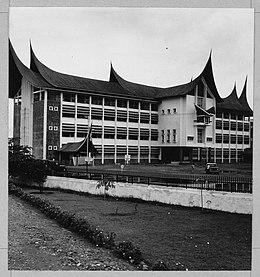 Rumah Bagonjong Wikiwand