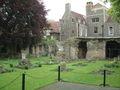 Canterbury - Gewürzgarten der Kathedrale von Canterbury.jpg