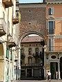 Casale Monferrato-porta di piazza Mazzini.jpg
