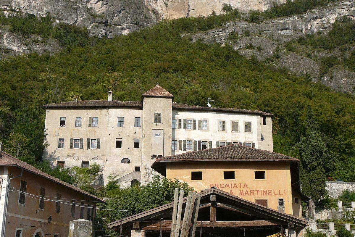 Castello Alle Spalle Di Villa Maria Napoli