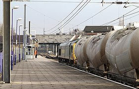 Cement Tanks at Acton (geograph 3292380).jpg
