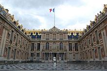 Château de Versailles et drapeau français - DSC 0117.jpg