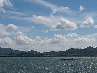 Zhoushan Island - The Changhai Channel is a channel dividing Changbai Island and Zhoushan Main Island