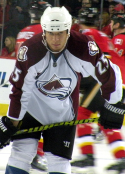 Chris Stewart Colorado Avalanchen pelipaidassa.