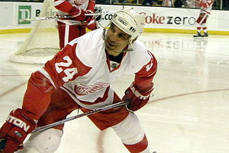 Chris Chelios - Chelios as a Red Wing