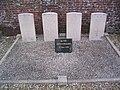 Cimetière Quinquempoix Tombes Commonwealth.jpg