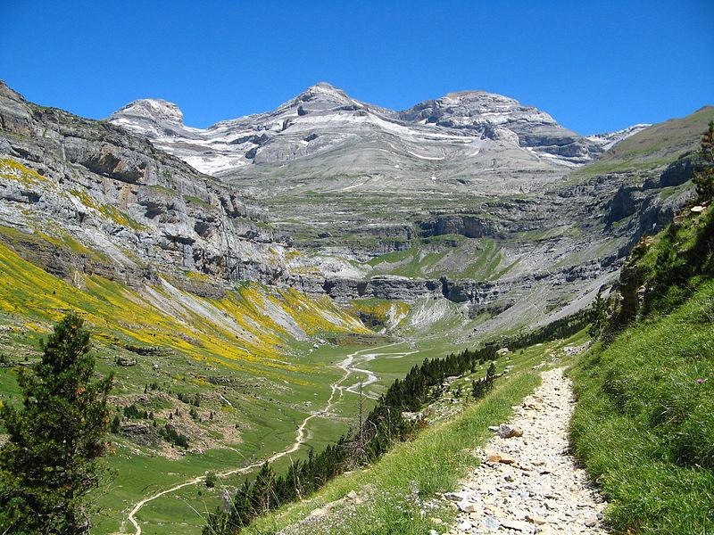Parque Nacional de Ordesa y Monte Perdido 800px-Cirque_de_Soaso_et_massif_du_Mont-Perdu