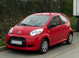 Citroën C1 1.0 (Facelift) – Frontansicht, 7. April 2011, Wülfrath.jpg
