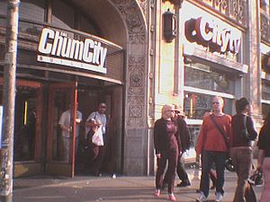299 Queen Street West - 299 Queen Street West, then known as CHUM-City Building, in 2004. The CHUM and Citytv signs were removed after CTV took control of CHUM.