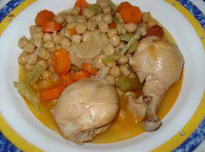 Cocido español. compuesto de: garbanzos o Cice...