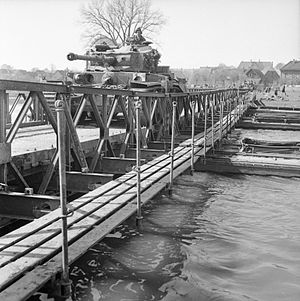 Fife and Forfar Yeomanry - Comet tanks of the 2nd Fife and Forfar Yeomanry crossing the Weser at Petershagen, 7 April 1945