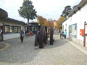 Brunate - Image: Como–Brunate funicular October 2012 13