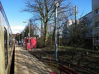 Crookston railway station - Crookston station in March 2009