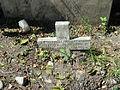 Cruz semi-enterrada.JPG