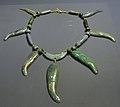 Cultures précolombiennes MRAH Olmèque collier jade 02 10 2011.jpg