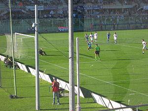 Davide Di Nicola (Florentia Viola-Rimini, rigore dello 0-2).jpg
