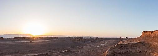 Desierto de Lut, Irán, 2016-09-22, DD 08-09 PAN.jpg