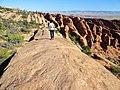 Devils Garden Trail, Arches (29600927266).jpg