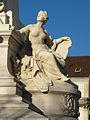 Dijon place de la Republique statue Sadi Carnot 05.jpg