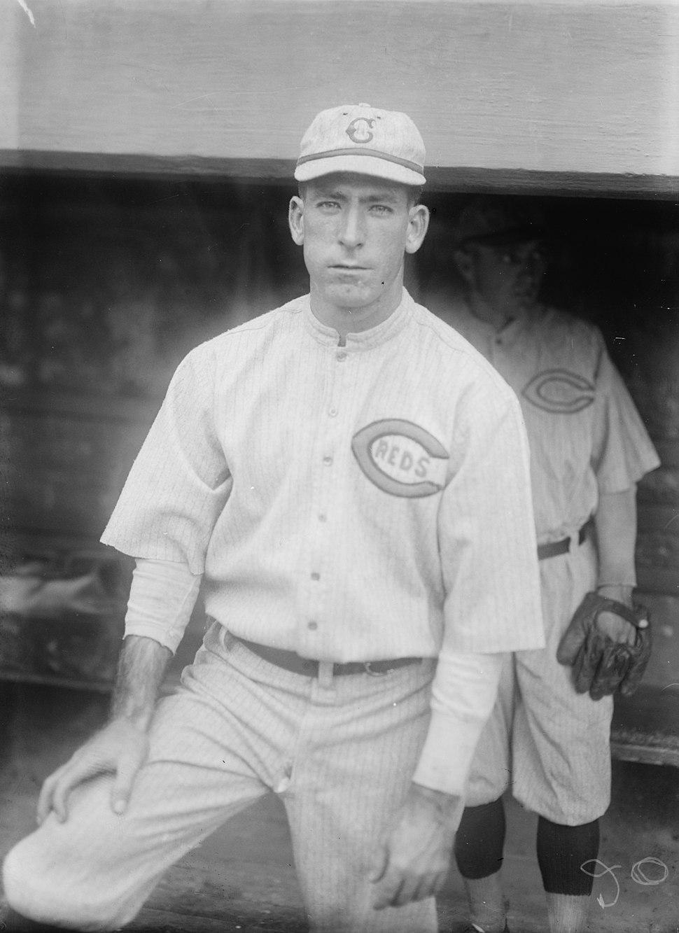 Dolf Luque, Cincinnati NL (baseball) LCCN2014709351 (cropped)