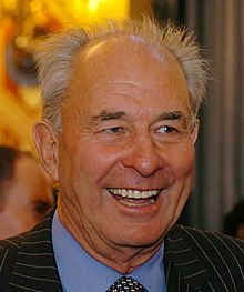 Don McKinnon (cropped).jpg