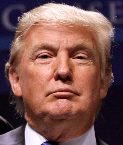 https://upload.wikimedia.org/wikipedia/commons/thumb/f/fa/Donald_Trump_%285440393641%29_closeup.jpg/405px-Donald_Trump_%285440393641%29_closeup.jpg