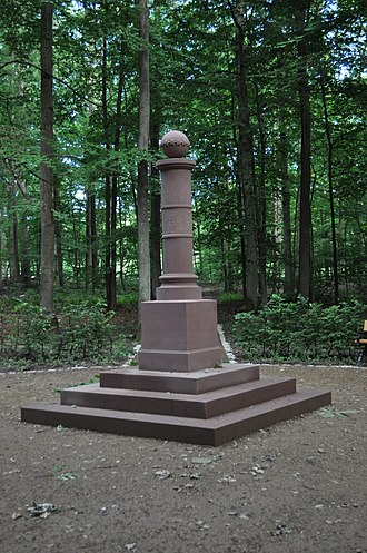 Gothic House (Bad Homburg) - The replica column