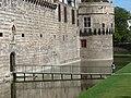 Douves et Tour de la rivière du Château des Ducs de Bretagne.JPG