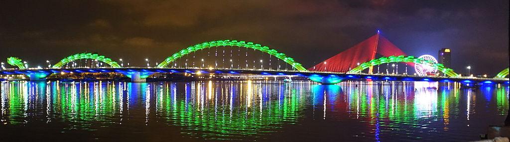 Dragon Bridge at night (Danang) - DSC02094